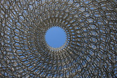 I Spy the Sky (raggi di sole) Tags: england kew kewgardens structure architecture thehive pattern metal circle wolfgangbuttress lattice bees intriguing artwork art oculus