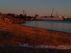 Hanko in a nutshell (Basse911) Tags: winter beach strand suomi finland vinter harbour ships january playa hanko talvi plage januari tammikuu satama ranta hamn tulliniemi tullis hang sooc transfennica tulludden gunnarsstrand gunnarsinranta