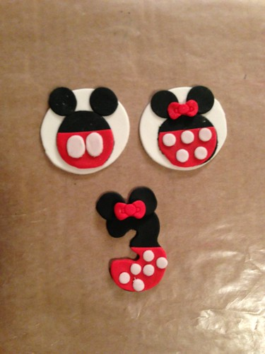 Mickey & Minnie Mouse Fondant Cupcake Toppers