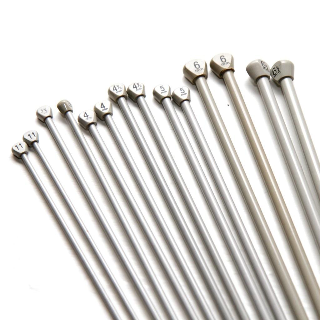 Pair of 4.5mm 30cm vintage metal knitting needles - Aero brand : It ...