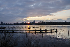 Sunset Alster Lake, Hamburg (Felis Images) Tags: winter sunset lake skyline germany deutschland nikon sonnenuntergang hamburg alster aussenalster d7000