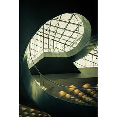 L'Escalier du Louvre, Paris. (Zed The Dragon) Tags: city morning bridge light sunset sky paris france building skyline architecture skyscraper photoshop reflections french landscape effects europe flickr cityscape pyramid minolta louvre sony capital musee full un frame fullframe alpha soir pyramide reflets postproduction hdr highdynamicrange sal lelouvre zed lumires 2012 francais cour lightroom historique effets storia parisien carre 24x36 poselongue a850 eclairages sonyalpha dslra850 alpha850 zedthedragon