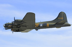 B17 Sally B (Steve G Wright) Tags: aircraft airshow b17 duxford flyingfortress iwm sallyb