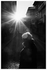 sun & lady (dongga BS) Tags: street blackandwhite bw lady streetphotography streetlife dame schwarzweiss sonne gegenlicht