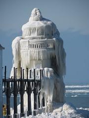 Icy Outer St. Joseph, Michigan North Pier Lighthouse (1907) (SpeedyJR) Tags: lighthouses michigan lakemichigan greatlakes stjosephmichigan greatlakelighthouses speedyjr