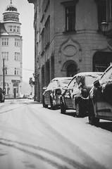 straenrand (HerrBohn) Tags: street morning schnee winter urban blackandwhite bw white snow cold monochrome weather germany deutschland snowflakes cityscape bright pentax snowy seasonal snowfall streetview 50mmf14 citywalk lightroom schneetreiben hallesaale halleandersaale schneefall sachsenanhalt schwarzweis neuschnee winterlove pentaxk5 autorevuenonmc herrbohn