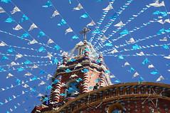Tonantzintla, Puebla (Mac1968) Tags: mexicana mexico pueblo iglesia puebla magico tradición tonantzintla banderines