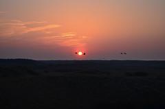 Vlieland - ondergang lentezon (Dirk Bruin) Tags: sunset west beach strand island vlieland zonsondergang dunes frisian