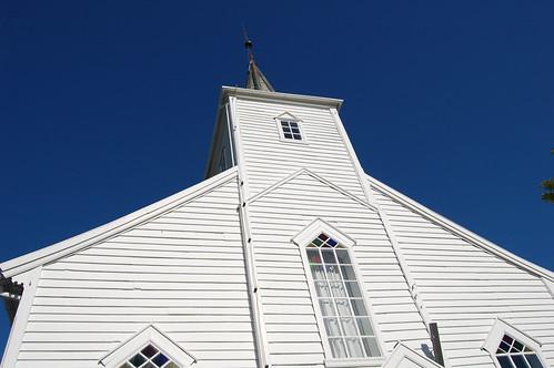 Austrheim kirke - spir