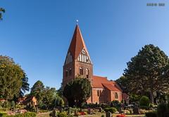 Proseken, Dorfkirche (joergpeterjunk) Tags: proseken dorfkirche evangelischlutherisch outdoor himmel friedhof canoneos50d canonefs1022mmf3545usm