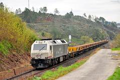Carrilero. Maside (rapidoelectro) Tags: 333315 renfe mercancas carrilero carril rail oirixo irixo lav ourense orense santiago maside