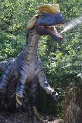 Gleeking champion (EverydayLivingMoment74) Tags: dinosaur minnesota zoo minnesotazoo venom yellow prehistoric