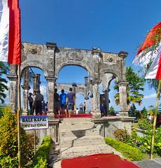 Bale Kapal Ujung (Ya, saya inBaliTimur (leaving)) Tags: bali building gedung istana palace