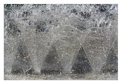 spritz (me*voil - on and off) Tags: fountain water splash spritz hannover triangles