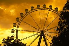 Roda gigante (marcusviniciusdelimaoliveira) Tags: rodagigante ferriswheel amusementpark hopihari nuvem nuvens entardecer