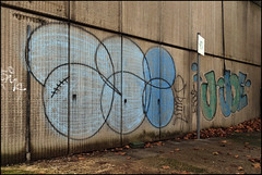 Gee / Joe (Alex Ellison) Tags: urban graffiti joe gee southlondon throw throwie