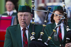 The piper (Frank Fullard) Tags: street ireland red portrait musician music irish green band parade mayo piper bagpipes balla castlebar greenandred fullard frankfullard