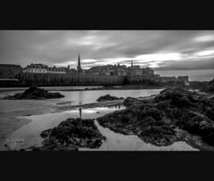 St Malo 2 (~Cess~) Tags: city sea mer france classic water saint st photography for coast eau europe bretagne cte recreation britanny ville malo meraude fortifie photographyforrecreation celebritiesofphotographyforrecreation celebritiesphotographyforrecreation