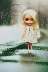 feeling the cold (poordittums) Tags: winter cold kenner blythe babette sidepartblonde poupeemecanique