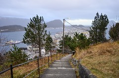 Heading down to Ålesund (The Globetrotting photographer) Tags: norway lookout ålesund