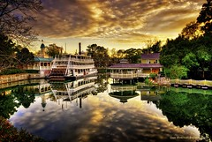 Sunset on Frontierland (Fab05) Tags: sunset sky reflection disney riverboat wdw waltdisneyworld magickingdom tomsawyerisland frontierland libertybelle