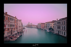 venise Quand mon rve devient ralit ('^_^ D.F.N. Damail ^_^') Tags: voyage street city travel italien venice light sunset vacation italy favorite mer art water architecture darkroom photoshop canon word geotagged photography photo reflex europe long flickr italia raw photographie affection photos explorer picture ile best ombre fave explore ciel amour passion romantic bateau venise venezia venedig reflets hdr couleur italie ville vieux francais adoration artiste artistique photographe longue 1635mm favoris photomatix poselongue poseb dfn damail 5dmarkii francais wwwdamailfr