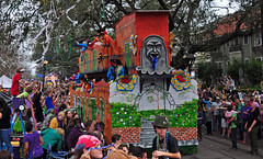 Backside (BKHagar *Kim*) Tags: street people la beads louisiana neworleans parade celebration nola mardigras float napoleonst bkhagar
