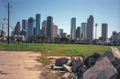 IMG038 (alexdotbarber) Tags: film 35mmfilm bessar eyesore downtownhouston colorfilm colornegative houstonstreetart colorskopar35mmf25 kodakektar100 houstonfourthward