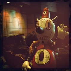 "Hi everyone! @garybaseman let #toby make the rounds at #sppdx @semipermanent was really inspiring today. How many ways are there to say ""keep on going, making, doing? Look, learn, experiment, trust, give?"" I heard several today, and now I'm home after fil • <a style=""font-size:0.8em;"" href=""https://www.flickr.com/photos/61640076@N04/8555448843/"" target=""_blank"">View on Flickr</a>"