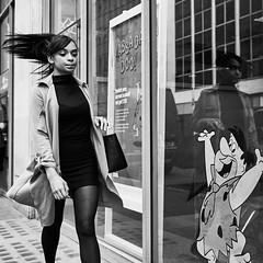 (budwhi) Tags: street london fujifilm 23 mm xf xt1