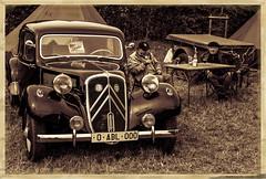 A la française (ericbaygon) Tags: français french frechy citroen militaire chevron military voiture car vintage oldschool vin béret d300s nikon nikonpassion monochrome sepia worldcars
