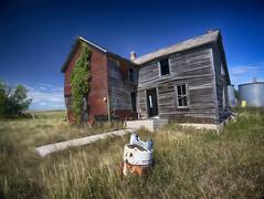 """""""Ghost in the Washing Machine""""-Abandoned South Dakota (j_piepkorn65) Tags: abandonedsouthdakota abandoned ruralexploration ruraldecay decay washer house oncewashome southdakota"""