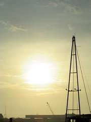 Lever de soleil (Port) (saintmalojmgphotos) Tags: bassinduguaytrouin port lever soleil saintmalo 35 solidor bateaux plage sable fish