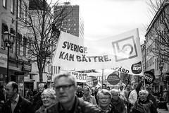 Örebro, Första maj (Michael Erhardsson) Tags: 15 1a drottninggatan lo landsorganisationen maj s ståget socialdemokraterna socialism socialister arbetare arbetarrörelsen banderollen banderoller budskap budskapet city demokrati demonstartionståget demonstrationståg demonstrera fackförbund fackförening fackligt fanor fanorna frammarsch frihet för förbundet förstamaj genom ideologi jämlikhet kollektiv kollektivavtal marschera paroll politik påmarsch ropar ropen röda socialdemokrat solidaritet sossar sossarna sosse tåga örebro 2014