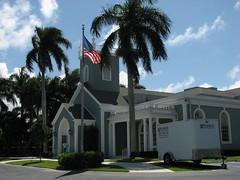 Royal Poinciana Chapel (Terry Hassan) Tags: usa florida palmbeach palm flaglermuseum church chapel tree flag