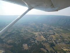 Le Luberon vu de l'avion (stephphoto8184) Tags: avignon arodrome avion vue champs hauteur vol nature espace habitation maison