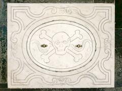 skull and cross bones (Leo Reynolds) Tags: xleol30x leol30random panasonic lumix fz1000 skull cross bones crossbones skullandcrossbones