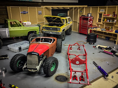 shop tour and hot rods (Strangely Different) Tags: rceveryday shop rc4wd crawler scalelife scalerc tinytrucks 32ford hotrod rat custom kustom