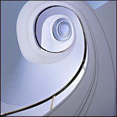 How do you take your coffee? (Maerten Prins) Tags: white berlin lines stairs germany spiral deutschland hotel soft stair curves line railing curve spiraal duitsland treppen berlijn upshot trappenhuis kempinski tonsurton stairwel