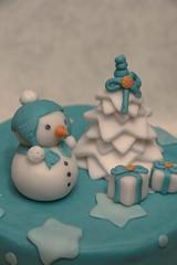 Pupazzetto di neve (bresaola25) Tags: christmas blue white cake dessert star design pasta neve di albero pino abete natale azzurro bianco stelle panettone fondant regali zucchero pupazzo