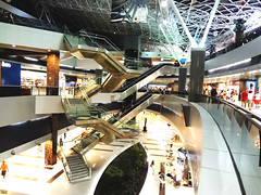 Recife International Airport (luceknight) Tags: trip travel light brazil people travelling lamp brasil night bag lights airport nightshot sony escalator aeroporto case structure viagem trips lamps bags recife prdio departure mala boarding malas checkin viajar embarque decolagem builing gilbertofreyre guararapes aeroportointernacionaldorecife recifeairport recifeinternationalairport sonydscwx50