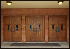 Entrance: Gymnasium, Cranbrook School (pinehurst19475) Tags: door athletics doors michigan entrance cranbrook gym gymnasium entry littlegym woodendoors bloomfieldhills nationalregister nationalregisterofhistoricplaces cranbrookschool nrhp cranbrookkingswoodschool bigdoors cranbrookschoolforboys nrhpdistrict73000954