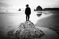replicating Haystack rock (sparth) Tags: blackandwhite beach silhouette oregon blackwhite noiretblanc or cannonbeach haystackrock sans noirblanc