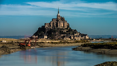 mont st michel (dawvon) Tags: world ocean longexposure travel sea france castle nature architecture ed nikon europe zoom unescoworldheritagesite unesco worldheritagesite mount unitednations normandie lowtide stmichel nikkor normandy  f28 vr afs montstmichel montsaintmichel lenses historicalbuilding zoomlens 70200mm telezoom  unitednationseducationalscientificandculturalorganization bassenormandie  f28g fmount vibrationreduction vr2 28g vrii telephotozoom  lowernormandy nanocrystalcoat telephotolen afsnikkor70200mmf28gedvrii 70200mmf28gvrii  midtelephotozoom