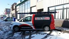 Dakdekker: De nieuwe bedrijfswagen van Primodak Dakdekkers. Door de verbeterde inrichting in de laadruimte zijn wij nu in staat u nog beter te helpen met al uw daklekkages en dakrenovaties.