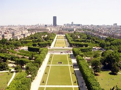 Champs de Mars (Christina Mercury) Tags: vacation paris france holidays europa europe day eiffeltower dia torreeiffel francia vacaciones champsdemars pars