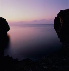 (akira ASKR) Tags: longexposure fuji hasselblad okinawa 沖縄 provia provia100f planar 長時間露光 rdpiii 万座毛 manzacliff