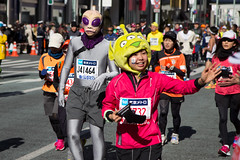 Tokyo marathon #3 - Extraterrestrial life (Ksung) Tags: life city people color japan canon tokyo ginza funny hand bokeh marathon character alien manga run disguise extraterrestrial frenzy 1755 eos60d