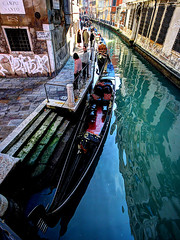 VENEZIA. (FRANCO600D) Tags: venice italy canon barca italia sigma gondola venezia riflessi venedig italie canale veneto serenissima bellitalia eos600d franco600d