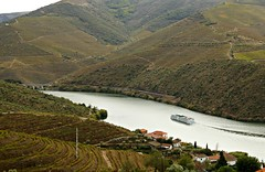 Going (PMTN) Tags: portugal water rio gua river boat vines barco hills douro montes riodouro vinhas douroriver carrazedadeansies